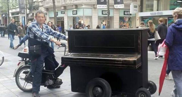 מר פסנתר